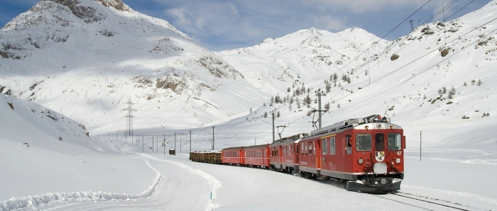 Traveling by Train with a Male Escort: The Old Ways